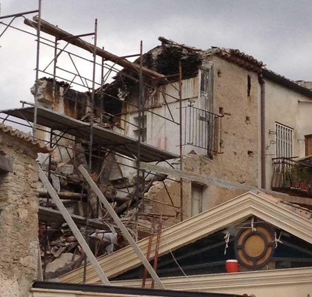 Caulonia Crolla Una Casa Durante I Lavori Per Un Nuovo